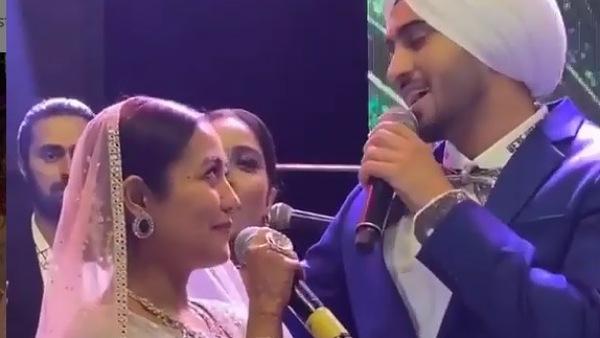Neha-Rohan Sing & Dance At Their Reception