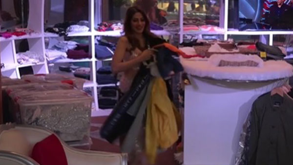 Nikki Gets A Chance To Loot The Mall