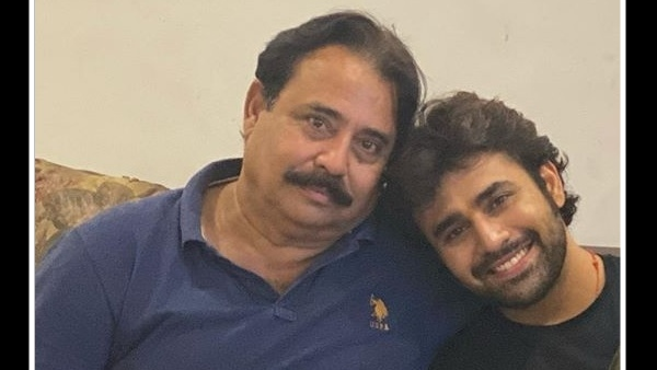 Pearl V Puris Father Passes Away; Actor Rushes To Hometown Overnight