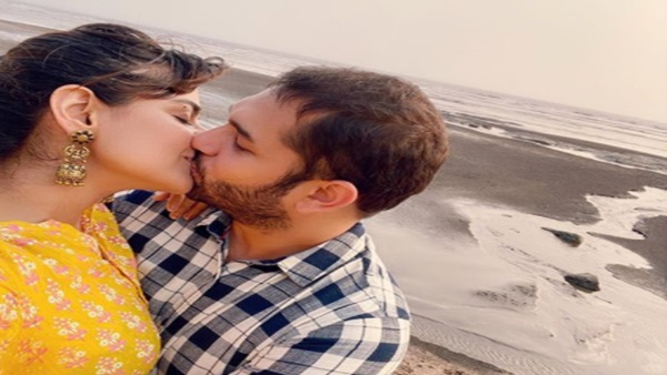 Mamangam Star Prachi Tehlan & Hubby Rohit Saroha Make Their Mumbai Beach Visit Memorable With A Kiss