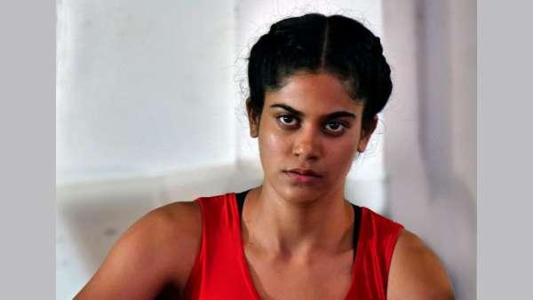 Aaditi Pohankar Plays Parminder Aka Pammi