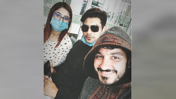 'BB Telugu Meets BB Hindi', Says Ali Reza As He Posts Selfie With Sidharth Shukla & Shehnaaz Gill