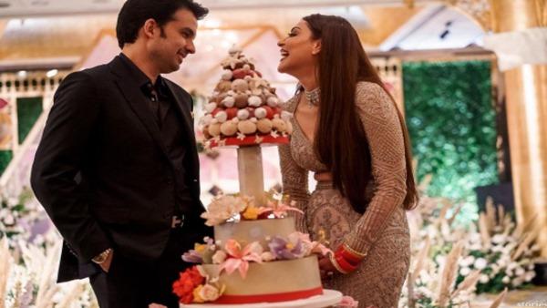 Kajal & Gautam Celebrate One Month Wedding Anniversary