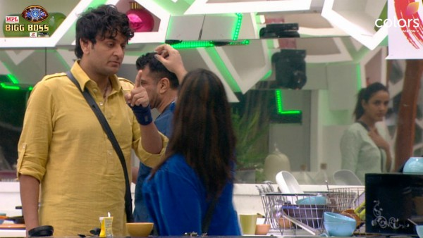 Also Read : Bigg Boss 14 December 9 Highlights: Vikas And Arshi Get Into An Ugly Spat; Latter Even Slaps Him On His Hand