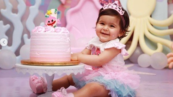 Celebs Wish Anyara On Her Birthday
