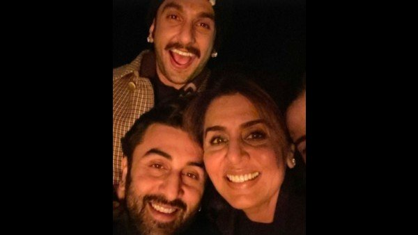 <strong>Ranveer Singh Chills With Ranbir Kapoor And Neetu Kapoor In Jaipur; Picture Goes Viral</strong>