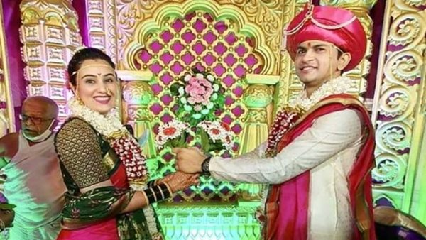 Bigg Boss Marathi 1 Finalist Sai Lokur Ties The Knot With Fiancé Tirthadeep Roy