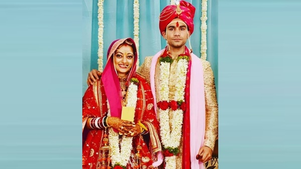 Actress Manasi Naik Gets Married To Boxer-Beau Pardeep Kharera; See Pictures