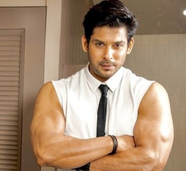 Sidharth Shukla Flaunts His Dapper Look For His SidHearts