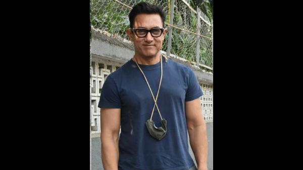 Komal Nahta Votes For Aamir Khan