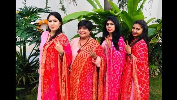 Mehendi Artiste Veena Nagda Poses For A Picture