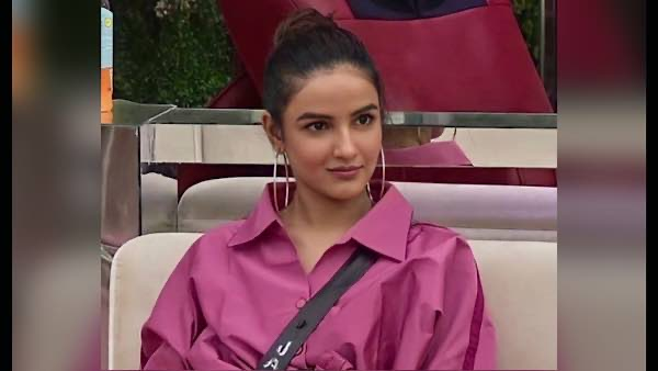 Jasmin Bhasin Takes A Dig At Rubina Dilaik; Accuses Latter Of Manipulating Nikki Tamboli