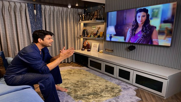 Sidharth Shukla Reviews Gauahar Khan's Performance In Tandav; Calls Her Character 'Witty And Critical'