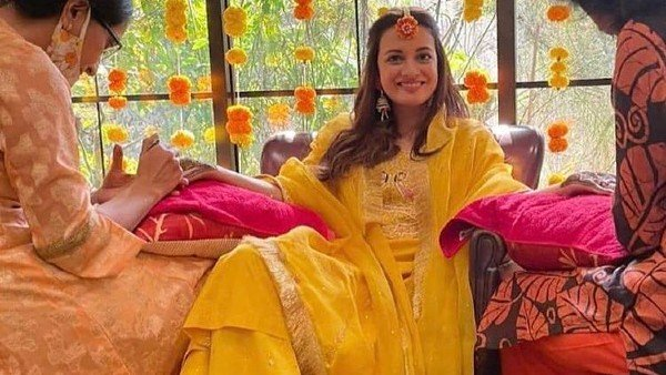 Dia Mirza's Unseen Pictures From Mehendi Ceremony Are Doing The Rounds On Social Media