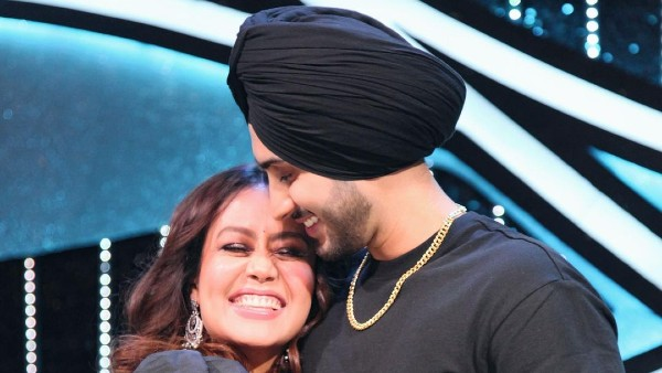 Neha Kakkar And Rohanpreet Singh Dance To 'Tera Suit' Song As They Begin Holi Celebration With A Pool Party
