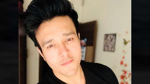 ALSO READ: Patiala Babes Fame Aniruddh Dave Tests Positive For COVID-19; Actor Goes Into Home Quarantine