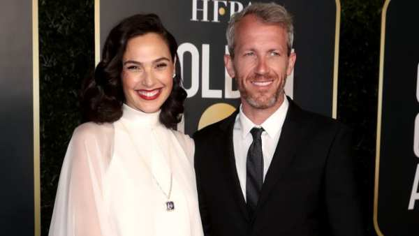 Gal Gadot Announces Third Pregnancy After Presenting An Award At Golden Globes 2021