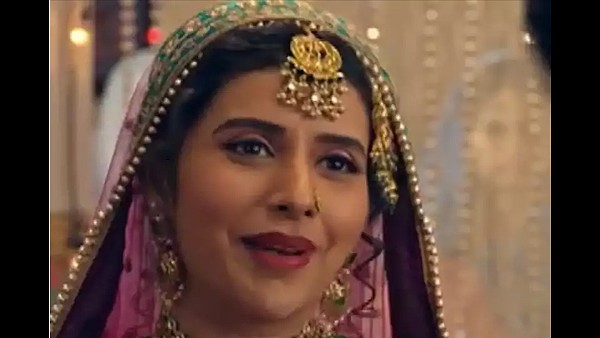 ALSO READ: Charu Asopa Enters Kyun Utthe Dil Chhod Aaye As Zorba Bai, Will Cause Havoc In Amrit And Randheer's Lives