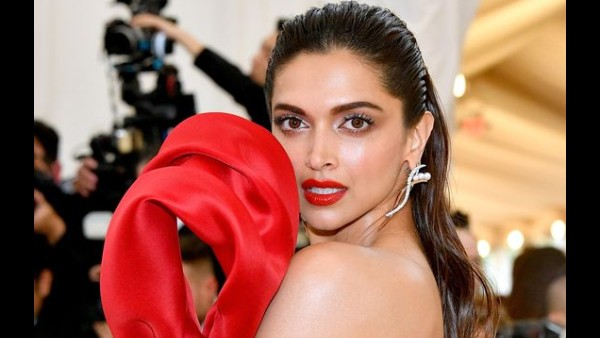 Also Read: Deepika Padukone's The Intern Remake: This B-town Director To Helm The Hindi Remake Of The Hollywood Classic