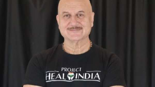 Anupam Kher Donates Oxygen Concentrators & BiPAP Machines To BMC Amid COVID-19 Crisis