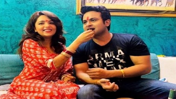 Sugandha Mishra Posts Video Of Hubby Dr Sanket Bhosale's Intimate Birthday Celebration; Watch