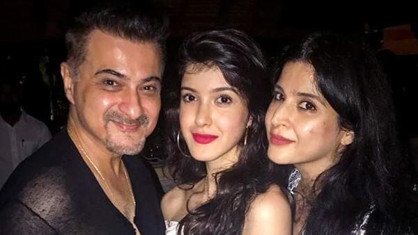 Maheep Kapoor Guesses Sanjay Kapoor's Reaction If Their Daughter Shanaya Does Intimate Scenes On Screen!