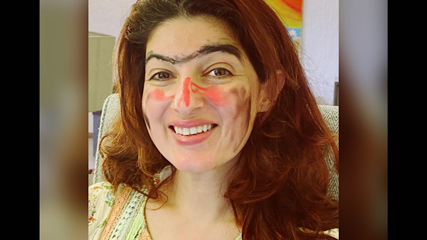 Twinkle Khanna's Daughter Nitara Turns Makeup Artist For Her Mother, The Result Will Leave You In Splits