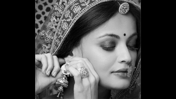 Sneha Ullal Looks Like Aishwarya Rai Bachchan's Twin Sister In Her Latest Picture!