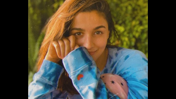 Alia Bhatt Shares Mental Health Helpline Numbers Amidst COVID-19 Second Wave, Says 'These Are Tough Times