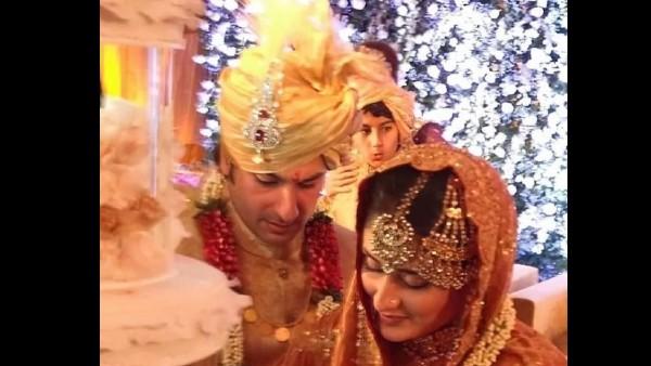 Saif Ali Khan-Kareena Kapoor's Unseen Wedding Picture: Ibrahim Photobombs Newlyweds' Cute Moment
