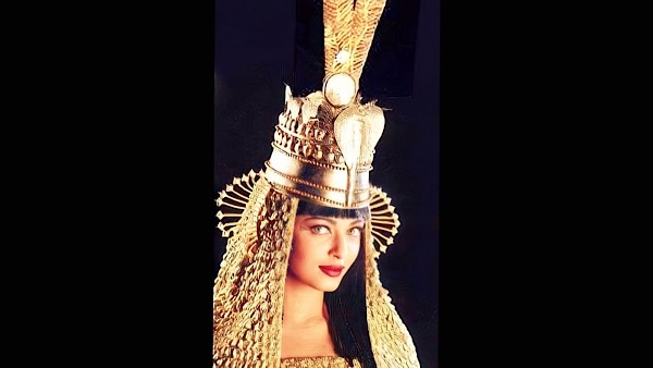 Ever Seen Aishwarya Rai Bachchan Dressed As Cleopatra?