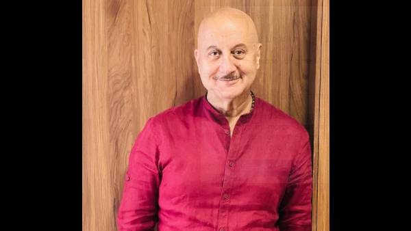 Anupam Kher Shares Video Of A Man Who Did Not Recognize Him