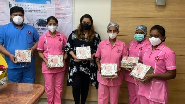 Deepshikha Deshmukh Presents Self-Care Hampers To COVID-19 Frontline Workers