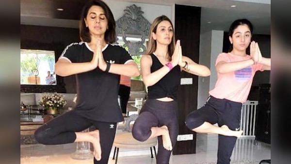 World Yoga Day: Neetu Kapoor Does Yoga With Daughter Riddhima Kapoor Sahni And Granddaughter Samara