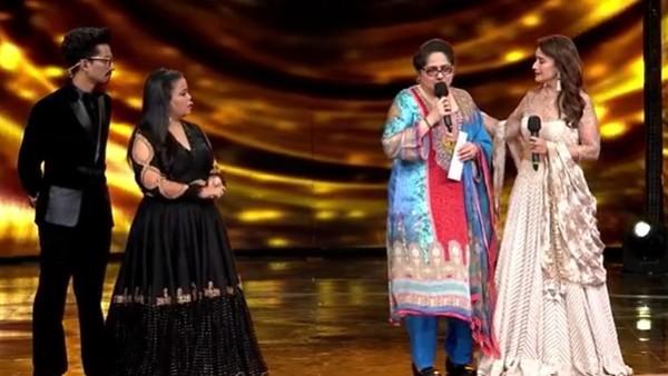 Dance Deewane 3: Shagufta Gets Teary-Eyed Talking About Struggles; Madhuri Gives Rs 5 Lakh On Behalf Of Team