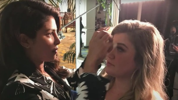 Priyanka Chopra Had Won Kelly Clarkson's Heart For Fixing Her Makeup When The Latter Was Sweaty