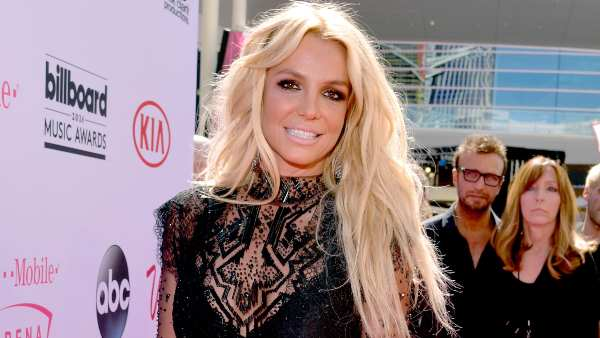 Britney Spears' Father James Spears To Step Down From Conservatorship; Netizens Celebrate With #BritneyFree