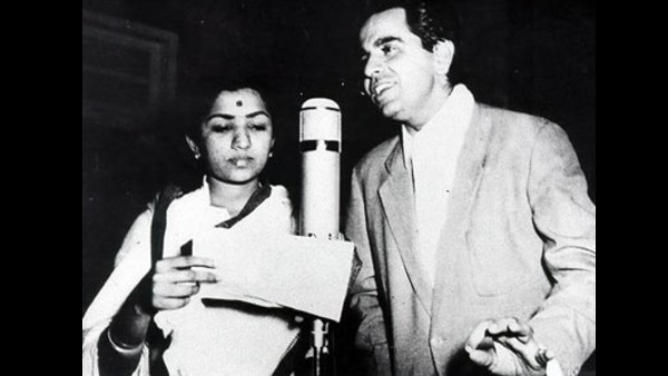 Lata Mangeshkar Recalls Her First Meeting With Dilip Kumar;  'His Light-Hearted Remark Made Me Study Urdu'