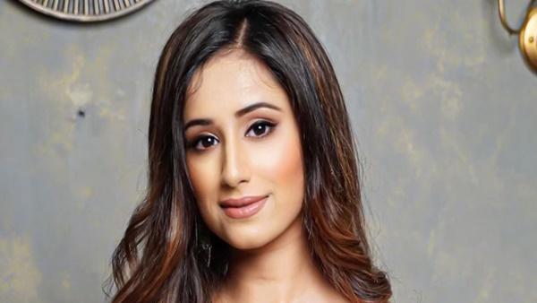 Maera Misshra Is In Talks For Bigg Boss OTT; Splitsvilla 11 Fame Asks People To Stop Calling Her Adhyayan's Ex