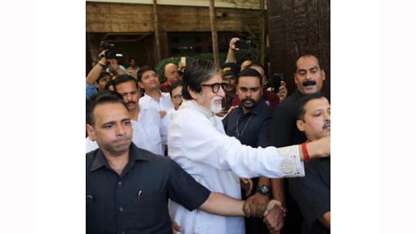 Amitabh Bachchan's Bodyguard Jitendra Shinde's Salary Will Blow Your Mind