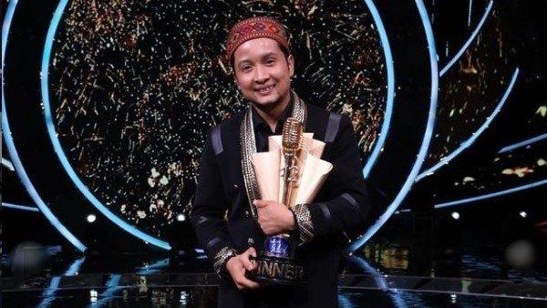 Indian Idol 12 Winner Pawandeep Rajan Takes Home Rs 25 Lakh & Car; Netizens Congratulate & Call Him A Rockstar