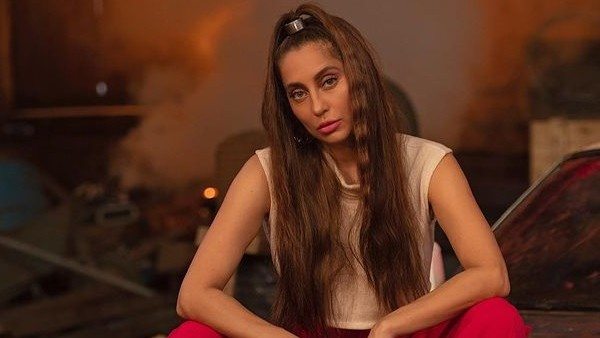 Anusha Dandekar Says She Can't Watch Bigg Boss OTT; Says 'It Gives Me Mad Anxiety For Real'