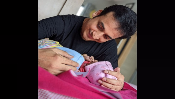 Sankarshan Karhade Blessed With Twins; Shares First Picture Of His Babies