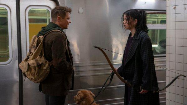 Hawkeye Trailer: Jeremy Renner Trains The New Vigilante Hailee Steinfeld In A Christmas Adventure Series
