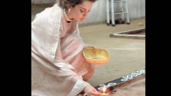 Kangana Ranaut Offers Her Prayers And Lights Diyas At A Temple, Says 'It Dazzled Me'