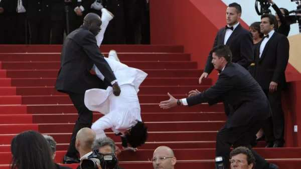 Met Gala 2021: Did Jason Derulo Really Fall Down The Stairs At The Met?
