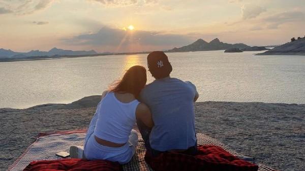 Alia Bhatt Enjoys Sunset With Ranbir Kapoor On His Birthday