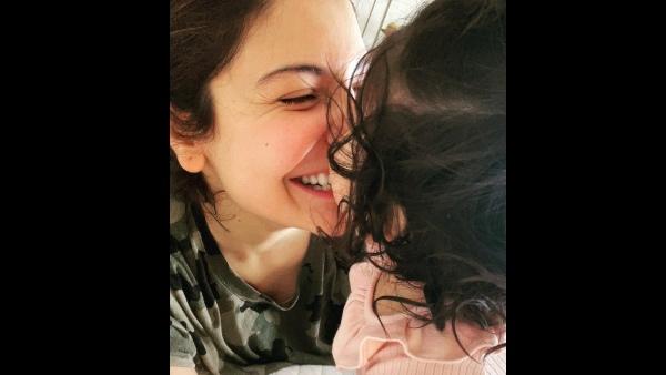 अष्टमी पर अनुष्का शर्मा ने बेटी वामिका के लिए शेयर किया खूबसूरत मैसेज, देखें Pic