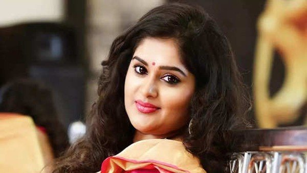 Bigg Boss 5 Telugu Contestant Priya Might Get A Red Card From Nagarjuna Akkineni Due To THIS Reason!