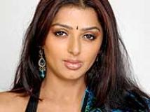 https://www.filmibeat.com/img/2008/10/bhumika-021207_03102008.jpg